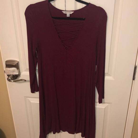 American Eagle Outfitters Dresses & Skirts - 3/4 sleeve maroon dress